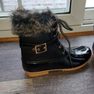 Black duck boots